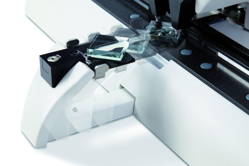 나이프 만들기 - 단계 5 독특한 Drawer는 별도의 추가 도구 없이도 안전하고 편리하게 유리 나이프 제거할 수 있게 해줍니다.