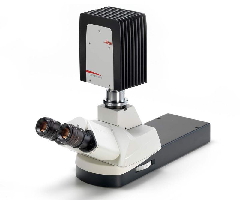 Side View Leica DFC7000 T Microscope Camera top-mounted.